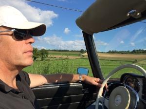 Tom achter het stuur