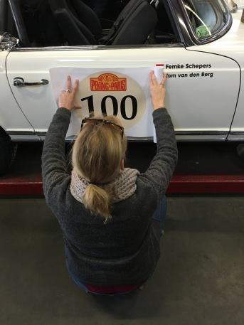 """""""100"""" plakken"""